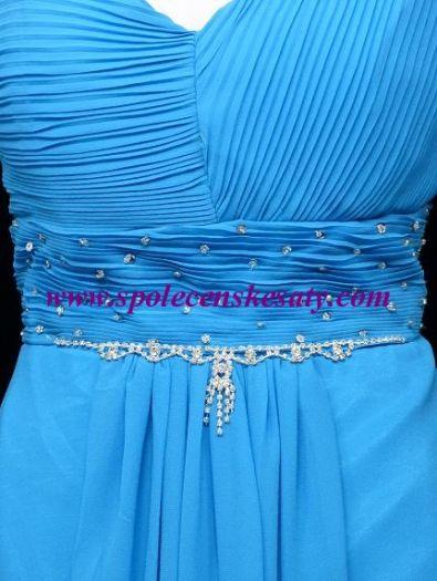 6d6d1cd1a4c5 Světlě modré krátké společenské šaty po kolena koktejlky do tanečních na ples  do divadla vel.