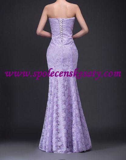 Světle fialové dlouhé luxusní krajkové společenské svatební šaty ... d77b2774c8