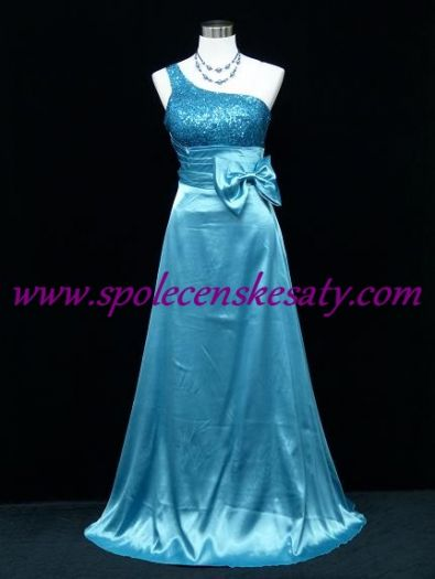 Bledě modré dlouhé společenské šaty s flitry se širokým ramínkem pro dámy  č. 3147 9e6a0e3254
