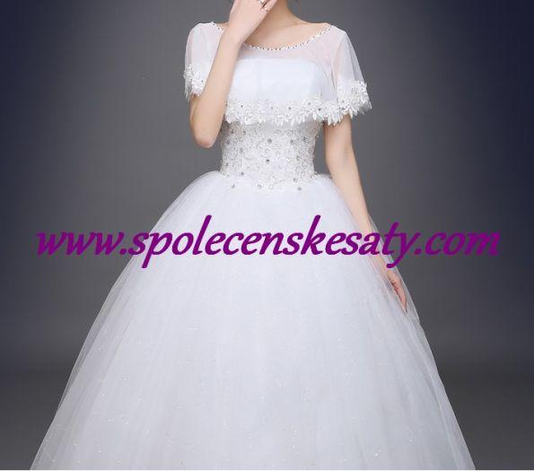 Bílé luxusní svatební šaty se závojovými ramínky a bohatou kolovou sukní ... f342cc7ae5