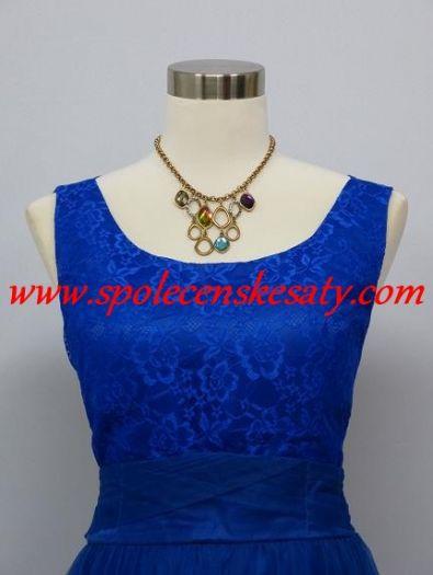 Modré krátké společenské plesové šaty po kolena z krajky a organzy a  výstřihem na zádech č. další fotografie 0d729ad6866
