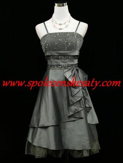 67db2481f98 Šedé stříbrné společenské plesové šaty po kolena s mašlí a zdobeným topem  č. 4466