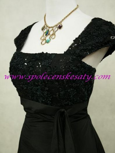Černé dlouhé společenské plesové šaty pro plnoštíhlé s rukávem 52 ... 02216c4e86